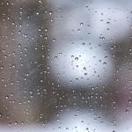 雨の日にベビーカーで電車、レインカバーのたたみ方、店内では?