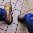 雨の靴の臭い