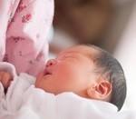赤ちゃんの絶壁は自然に治る?寝かせ方や3ヶ月からの対策