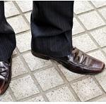 革靴が濡れた臭いどうする?雨の日の乾かし方とお手入れ方法